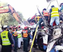 Khanpur buses smash-up claims 29 lives