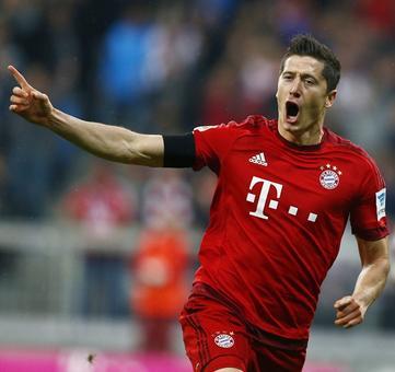 Roundup: Bayern storm past Schalke into German Cup semis