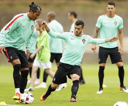 Euro 2016: Greek lessons and pragmatism key to Portugal's progress