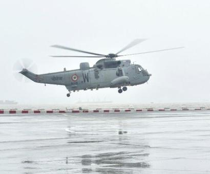 Mumbai rains: Helicopters, divers on standby, says Navy