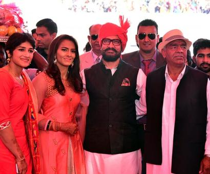 PHOTOS: Aamir Khan the star attraction at Geeta Phogat's wedding