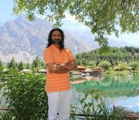 #InternationalYogaDay: Meet Baba Ramdev's Pakistani Counterpart, Yogi Haider
