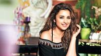WATCH: Parineeti Chopra gets goofy with Johny Lever on the sets of 'Golmaal 4'!