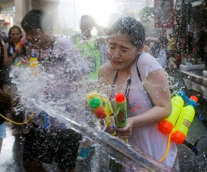 PHOTOS: This is the world's biggest water fight