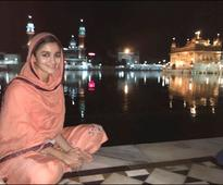 Check out Alia Bhatt visits Golden Temple