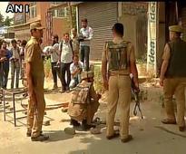 Kashmir: 3 policemen killed in separate attacks on Srinagars Tengpora and Zadibal