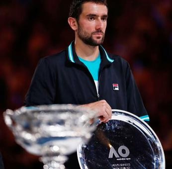 Cilic blames closed roof for slow start against Federer