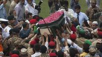 Tens of thousands attend Pakistani philanthropist's funeral