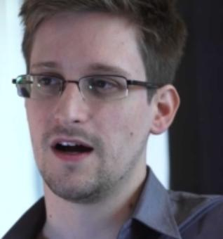 Washington Post takes heat for Snowden prosecution call