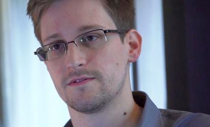 Edward Snowden wades into Aadhaar debate, again