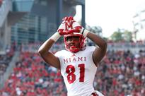 Miami Ohio receiver makes an absolutely stunning one-handed catch falling out of bounds