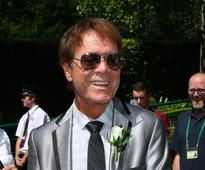 The BBC director general says it was right to live broadcast a police raid on Cliff Richard's house
