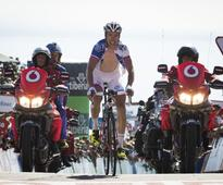 Cycling - Geniez climbs to Vuelta third stage win
