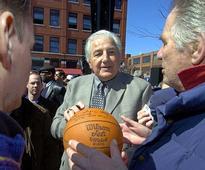 Dolph Schayes, NBA legend, dies at 87