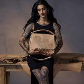 Suki Waterhouse gets a tattoo