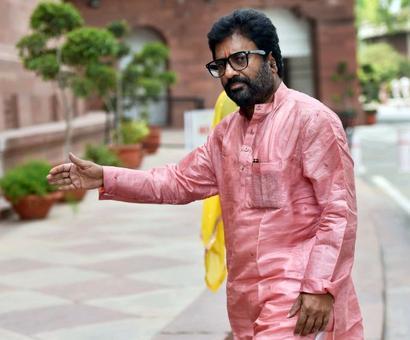 Sena MP Gaikwad flies again; picks Air India