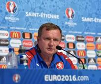 Czech Republic coach Pavel Vrba quits, signs up with Russian club Anzhi Makhachkala