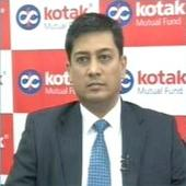 Rupee weakness big worry, bearish on infra, metal: Kotak MF