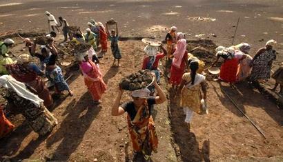 Aadhaar mandatory for MGNREGS work from April