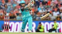 Brendon McCullum, on fire, breaks his bat during Big Bash League! See video