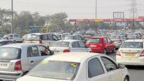 Auto expo rush brings traffic to a standstill in Noida