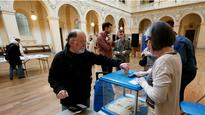 French Election 2017: Emmanuel Macron leads opinion polls as France begins voting