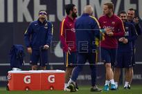 FÚTBOL BARCELONA - Luis Enrique recupera a Claudio Bravo para la final de Copa