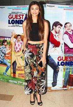 Daisy Shah, Eli Avram, Sonal Chauhan watch Guest Iin London