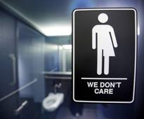Texas to sue to stop U.S. government's transgender bathroom policy