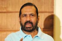 Chavan ignores Suresh Kalmadi chorus