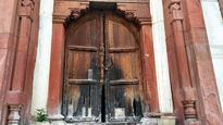 Heritage tomb in Malviya Nagar dying a slow death