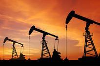 Oil slumps 7pc ahead on expected US crude build, slowdown fear