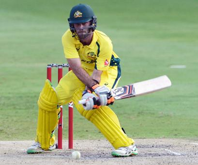 Maxwell's blast powers Australia into tri-series final