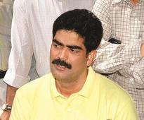 Shahabuddin aide Laddan Mian surrenders