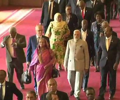PM, heads of state, arrive for CHOGM at Windsor Castle
