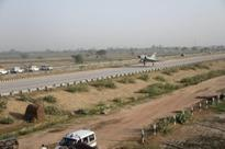 Fighter planes on Agra-Lucknow Expressway