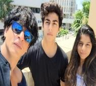 SRK asked to not share pictures of his kids on Social media
