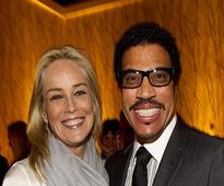 Lionel Richie receives honorary doctorate from Berklee College