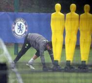Football: Diego Costa trains alone amid China reports