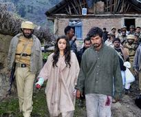 Alia Bhatt trekking in Kashmir for Highway