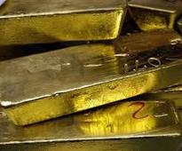Gold worth Rs 25 lakh seized at Hyderabad airport