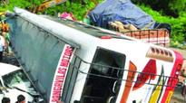 One killed, 5 injured as truck hits RTC bus in Hyderabad