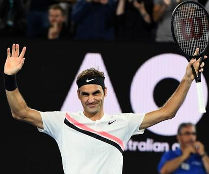 Aus Open: Federer dispatches Berdych to meet Chung in semis