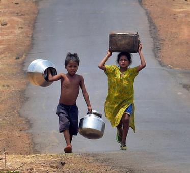 'Modi travels everywhere, but not to Marathwada'