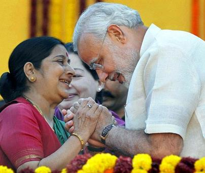 Modi lauds Sushma for giving 'human face' to diplomacy