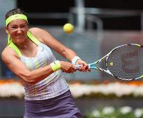 Azarenka ease into Rome quarters