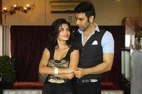 SANDIP SOPARRKAR TRAINS SONALI RAUT & YUVRAAJ PARASHAR FOR A PASSIONATE SALSA DANCE FOR LOVE LIFE & SCREWUPS!!