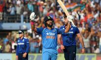 India vs England 2nd ODI: Yuvraj Singh's subdue celebration & Indian dressing room cheering for him is the best video you will see today