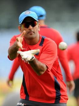 Government snubbed Dhoni, Arnab Goswami for Padma awards?