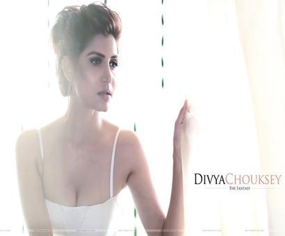 Who is this hottie `Hai Apna Dil Toh Awara`?